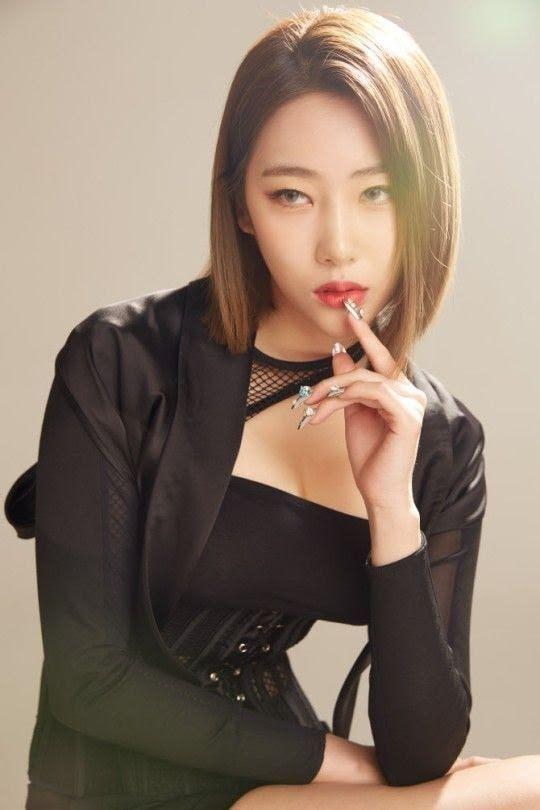 Cựu thần tượng Kpop lừa dối khán giả, giấu chuyện kết hôn