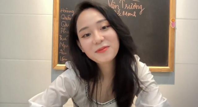 """Tích cực phát biểu xây dựng bài, ông bố 47 tuổi bị con gái """"gank"""" ngay trong livestream của cô giáo Minh Thu"""
