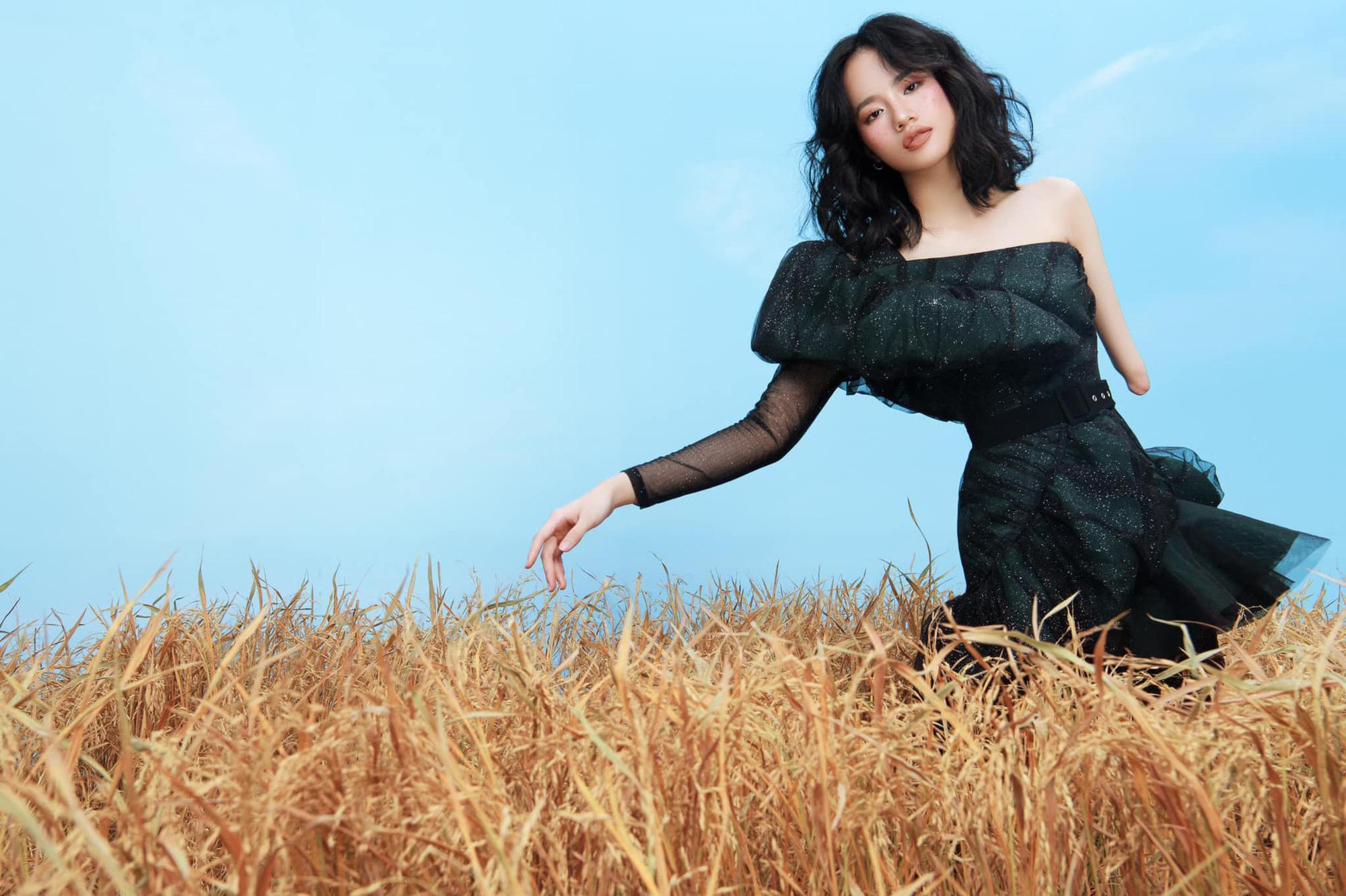 """Người mẫu khuyết tay Hà Phương: """"Tôi yêu bản thân mình hơn mỗi ngày"""""""