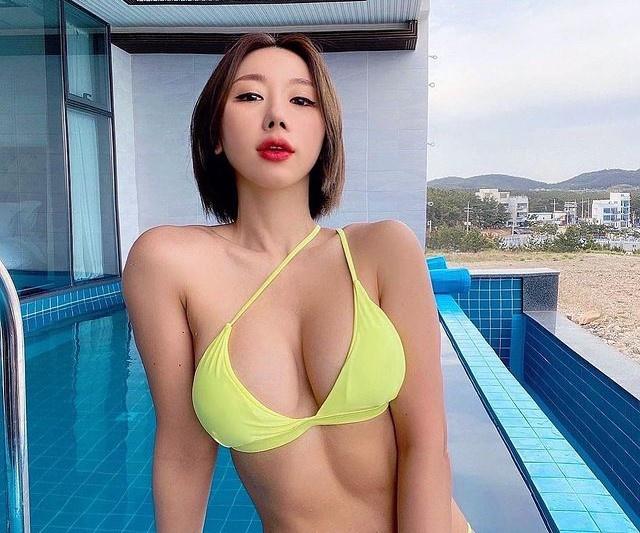 Nàng mẫu thể hình Hàn Quốc nổi tiếng nóng bỏng