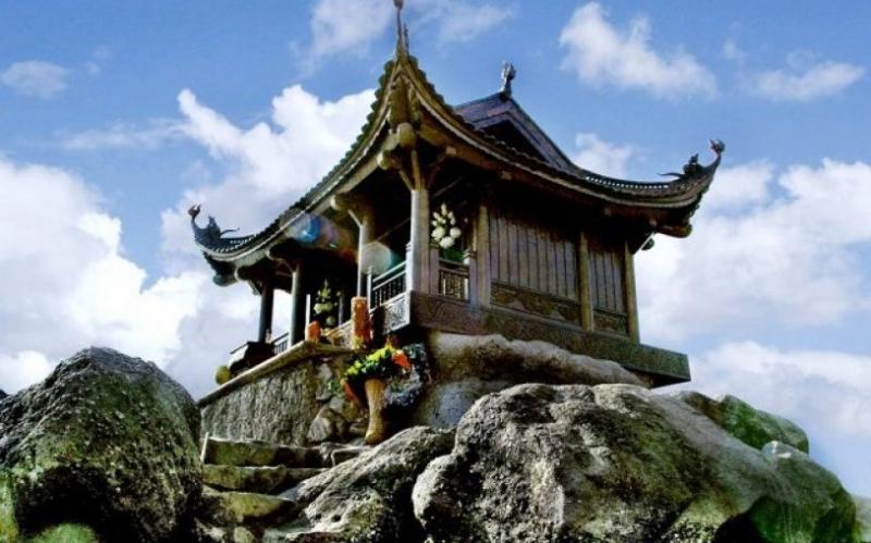 Top 8 Ngôi chùa linh thiêng nhất miền Bắc để hành hương cầu may đầu năm mới