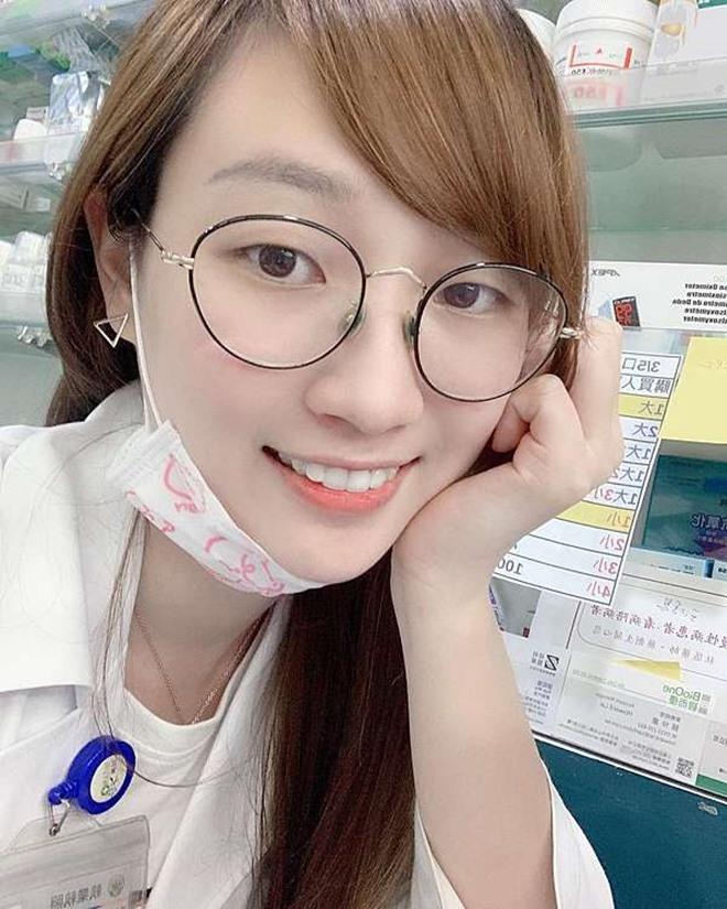 Dược sĩ xinh đẹp có nghề tay trái làm người mẫu ảnh