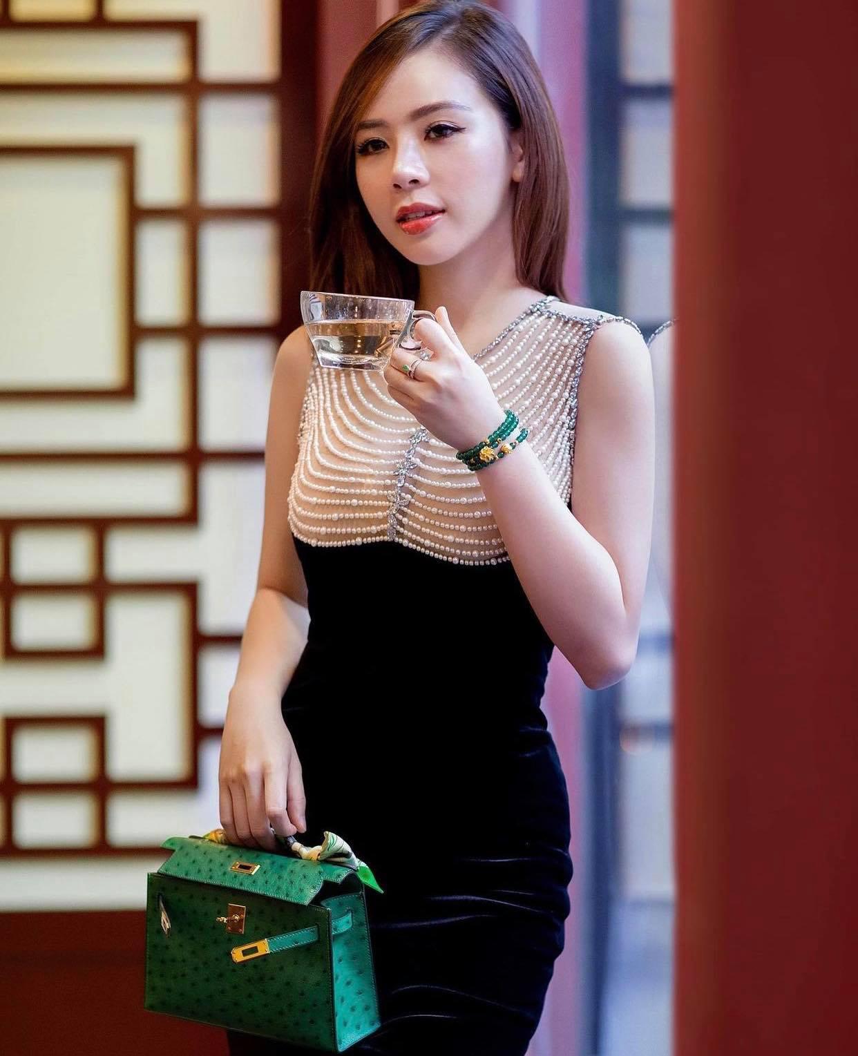 Thú chơi hàng hiệu xa xỉ cả trăm triệu của hot girl Phương Bora