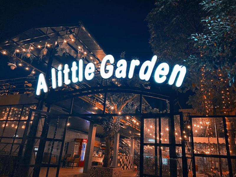 Hình ảnh A Little Garden