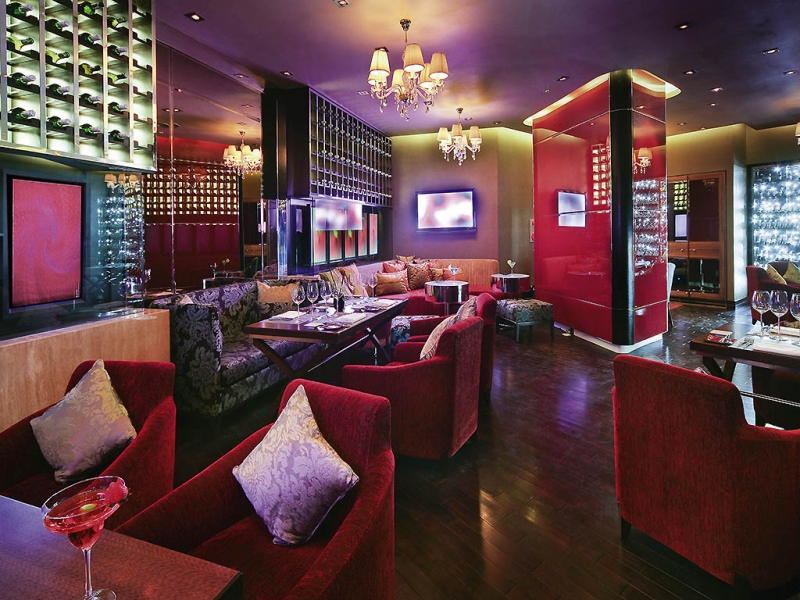 Không gian tại Angelina Restaurant & Lounge