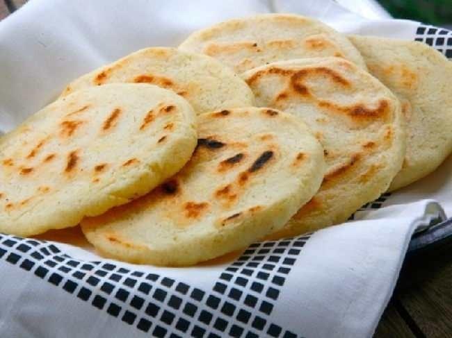 Bánh bột mì vị mặn truyền thống