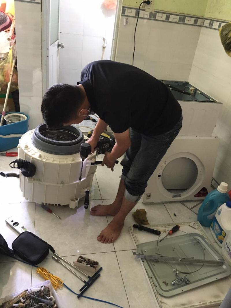 Nơi đây chuyên cung cấp cho khách hàng những dịch vụ sửa chữa, bảo trí, vệ sinh máy giặt tại nhà một cách nhanh chóng, tiện lợi