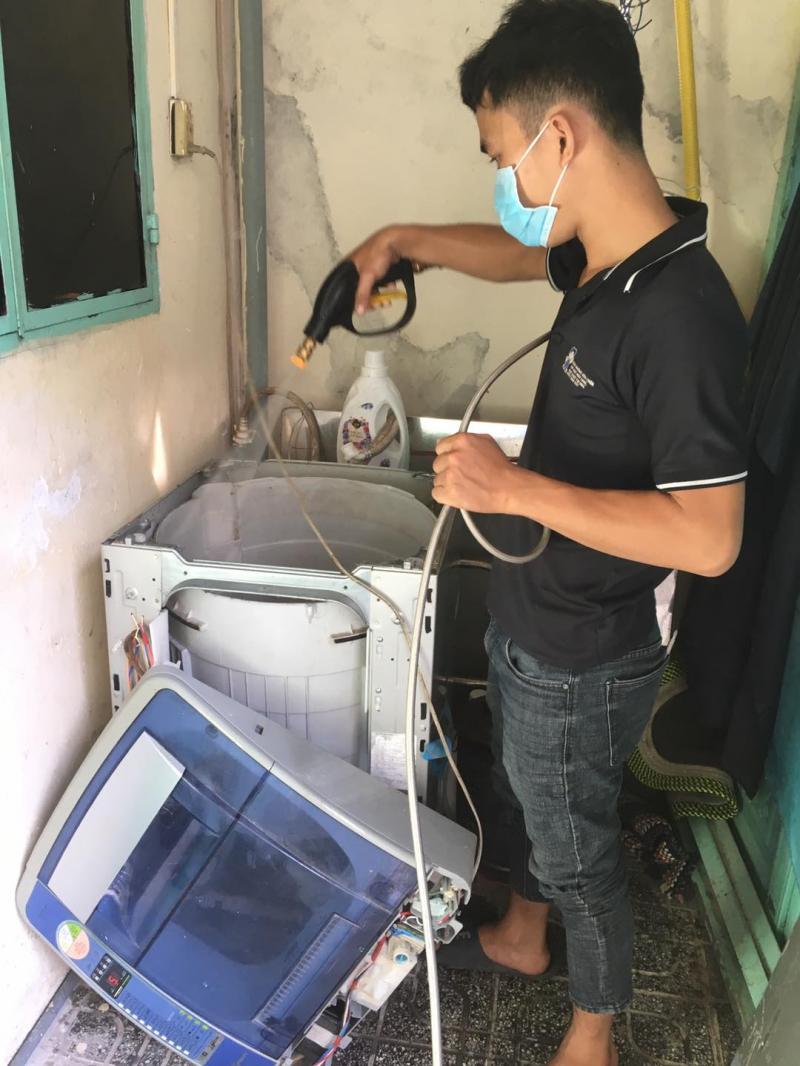 Với đội ngũ kỹ thuật có tay nghề chuyên môn cao, làm việc dựa trên tinh thần trách nhiệm, tận tâm, nhiệt tình mọi vấn đề hư hỏng của máy giặt đều được nơi đây khắc phục hiệu quả