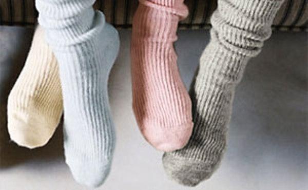Giữ ấm đôi chân là phương pháp gián tiếp giúp bảo vệ thận vô cùng hiệu quả