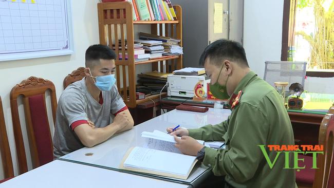 Sơn La: Lên facebook nói xấu lực lượng Cảnh sát giao thông, nam thanh niên bị xử phạt 5 triệu đồng - Ảnh 1.