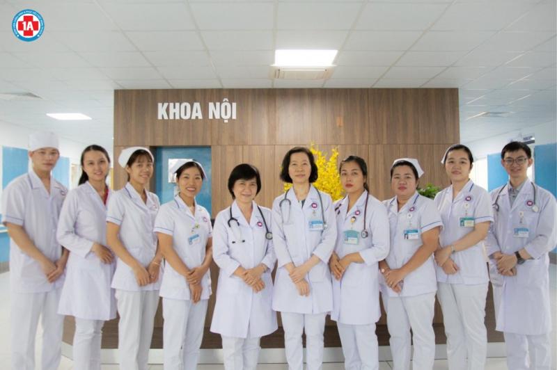 Đội ngũ gồm 6 Bác sĩ chuyên ngành Phục hồi chức năng của bệnh viện 1 A