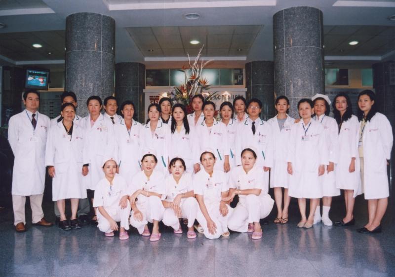 Đội ngũ y, bác sĩ tại bệnh viện