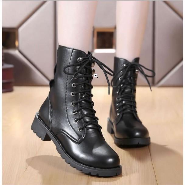 Giày boot