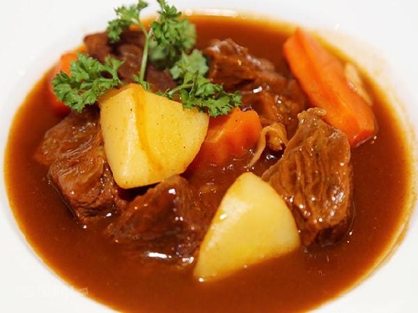 Cách nấu bò sốt vang ngon