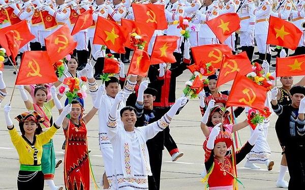 Quan điểm của Hồ Chí Minh về tính tất yếu, đặc trưng bản chất, động lực cơ bản của CNXH ở Việt Nam; sự vận dụng của Đảng ta hiện nay