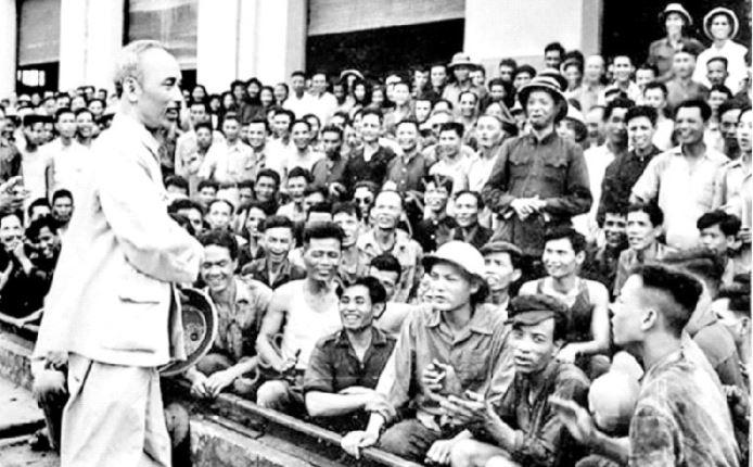 Nội dung tư tưởng Hồ Chí Minh về xây dựng Nhà nước kiểu mới ở Việt Nam (làm rõ các luận điểm cơ bản của Hồ Chí Minh về xây dựng nhà nước, mối quan hệ giữa đạo đức và pháp luật trong xây dựng nhà nước kiểu mới ở Việt Nam) và sự vận dụng quan điểm của Hồ Chí Minh trong xây dựng Nhà nước ta hiện nay