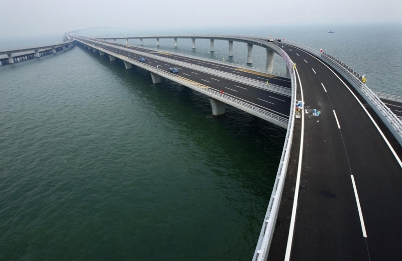 Cầu vịnh Giao Châu - Trung Quốc
