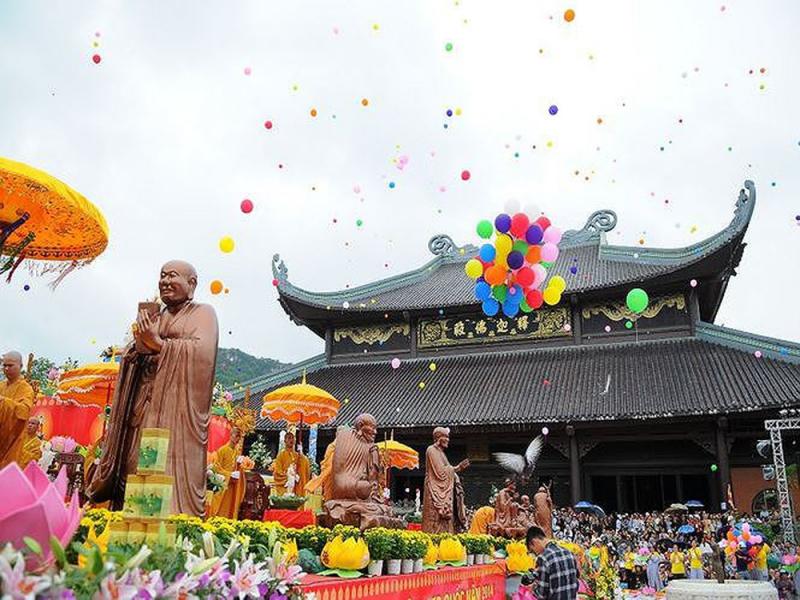 Chùa Bái Đính là một quần thể chùa lớn với nhiều kỷ lục châu Á và Việt Nam