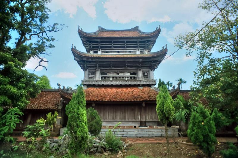 Chùa Keo là một trong những ngôi chùa cổ ở Việt Nam được bảo tồn hầu như nguyên vẹn