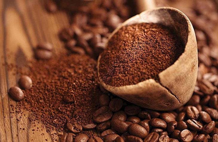 Chữa viêm nang lông bằng Bã cà phê