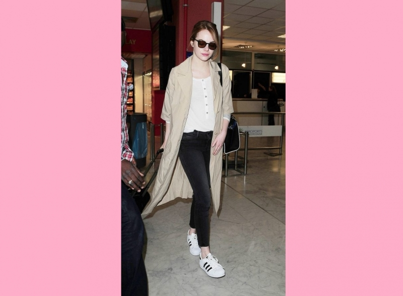 Emma Stone mặc áo khoác oversized của COS