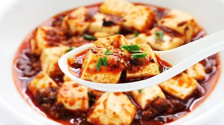 Đậu phụ Tứ Xuyên khi ăn có vị cay, nóng đặc biệt