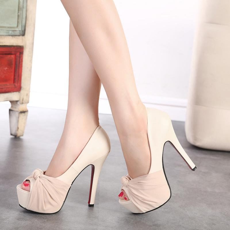 Với chiều dày của mũi được độn lên cao sẽ giúp giảm đi rất nhiều độ dốc của bàn chân, nhất là với những đôi giày từ 1 tấc trở lên.