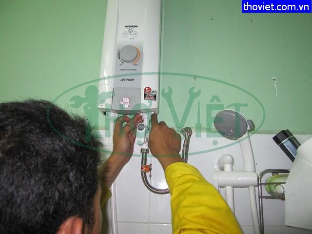 Với hơn 10 năm kinh nghiệm Điện Lạnh Thợ Việt tự hào là đơn vị sửa chữa, lắp đặt, bảo trì các thiết bị điện uy tín tại TP.HCM