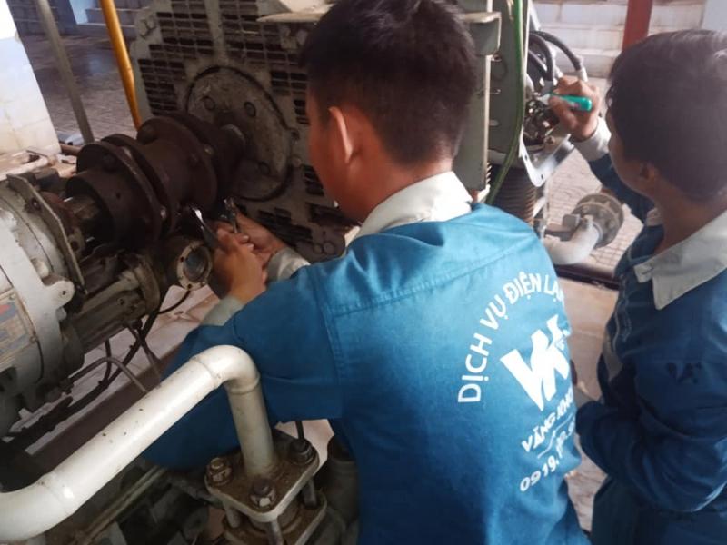 Nhân viên nhiều năm kinh nghiệm trong việc sửa chữa thiết bị điện lạnh