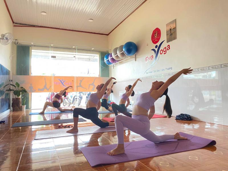 EVA Yoga Đak Mil