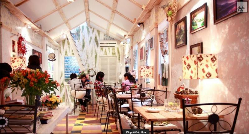 """Gác Hoa cà phê Chữ """"cafe"""" không có nghĩa là kinh doanh mà là không gian để bạn thưởng thức cuộc sống."""