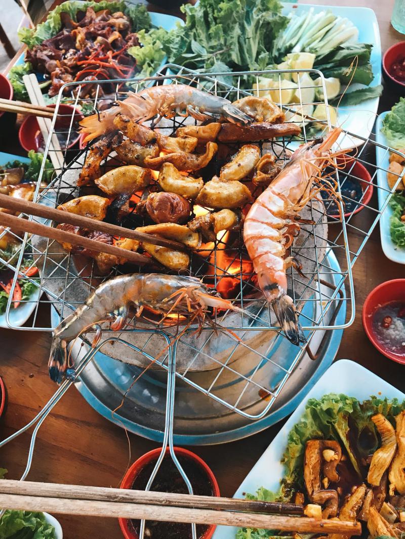 Ăn nướng tại Hải sản 75 Nguyễn Văn Linh