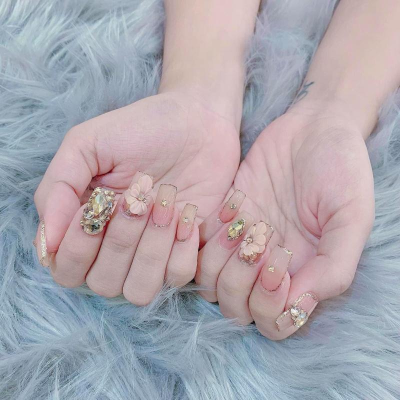 Hào Nails luôn cập nhật nhiều mẫu nails hiện đại, theo xu hướng mới