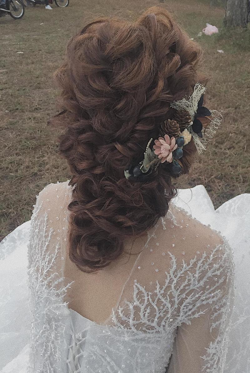 Make Up và làm tóc cô dâu theo Style Hàn Quốc