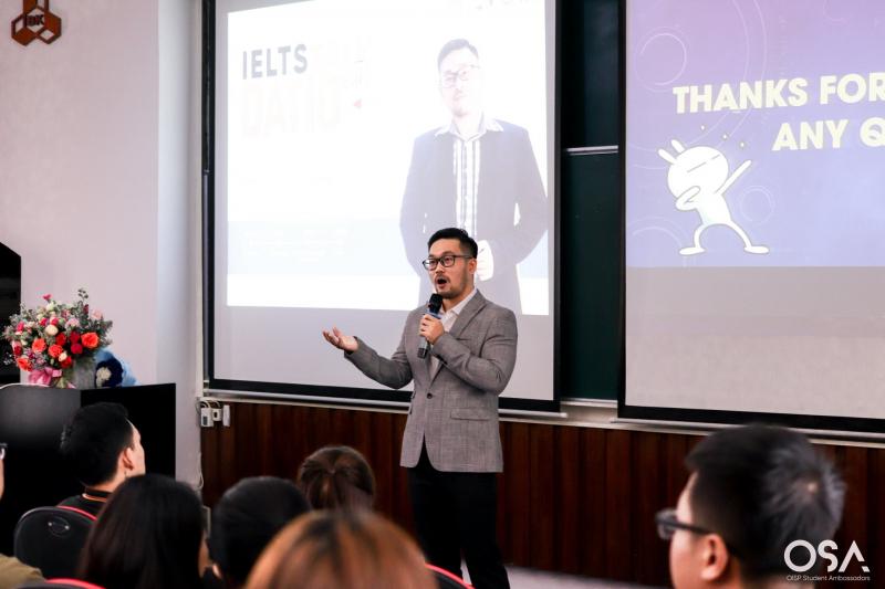 Thầy Datio diễn thuyết về học IELTS tại ĐH Bách Khoa TP. HCM