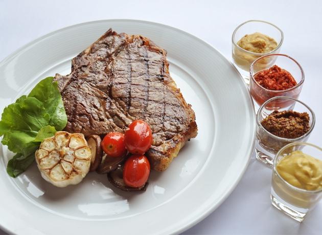 Beefsteak tại Jackson's Steakhouse Hanoi