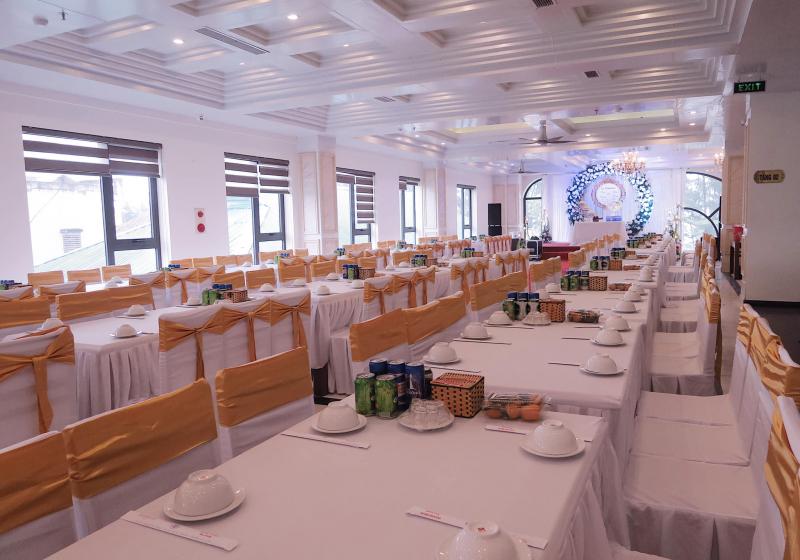 Khách sạn Thanh Binh Gold nhanh chóng thu hút sự chú ý của các du khách khi đặt chân đến vùng biển Sầm Sơn.