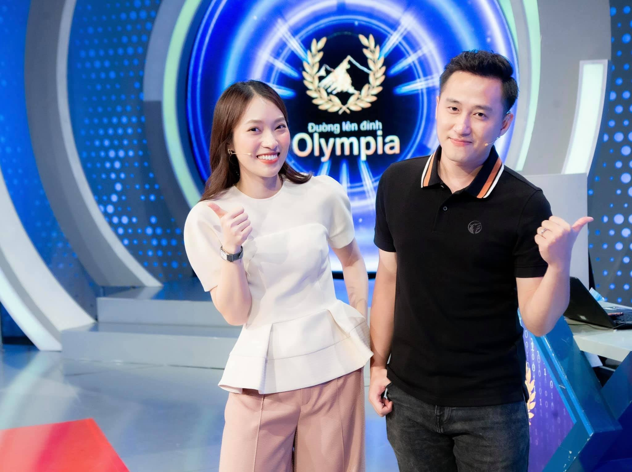 Hot girl dẫn 'Đường lên đỉnh Olympia' thay MC Diệp Chi là ai?