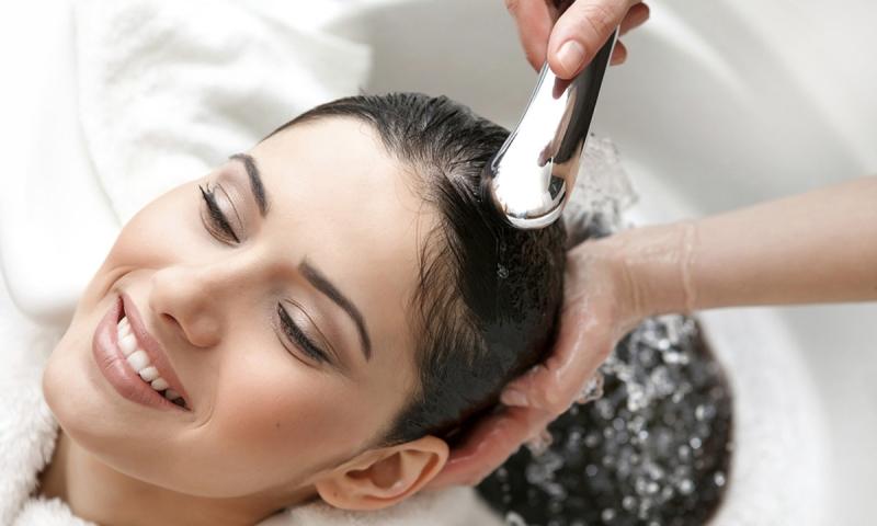 Top 12 Cách chăm sóc tóc cho tóc khỏe đẹp trong mùa đông
