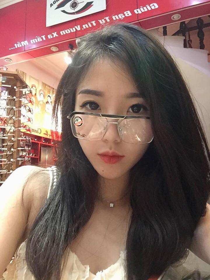 Kính mắt Nguyễn Anh