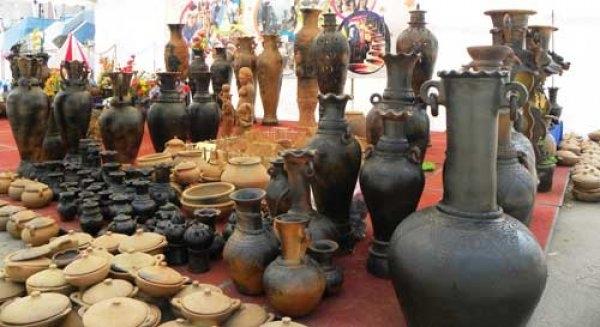 Làng gốm Gia Thủy là những sản phẩm tinh tế, kỹ thuật điêu luyện, là cả tình người lắng đọng.
