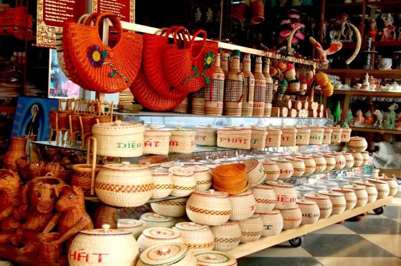 Đồ thủ công mỹ nghệ từ cói là những sản vật tinh tế của mảnh đất Hoa Lư