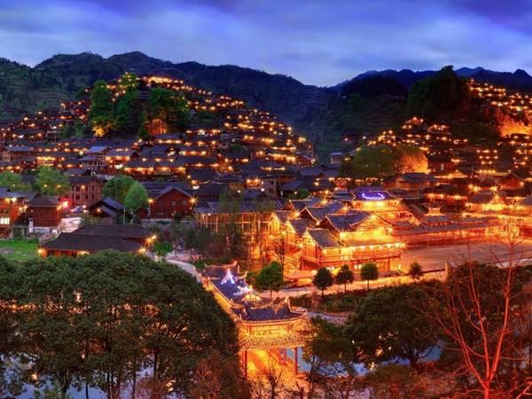 Làng Xijang Miao về đêm