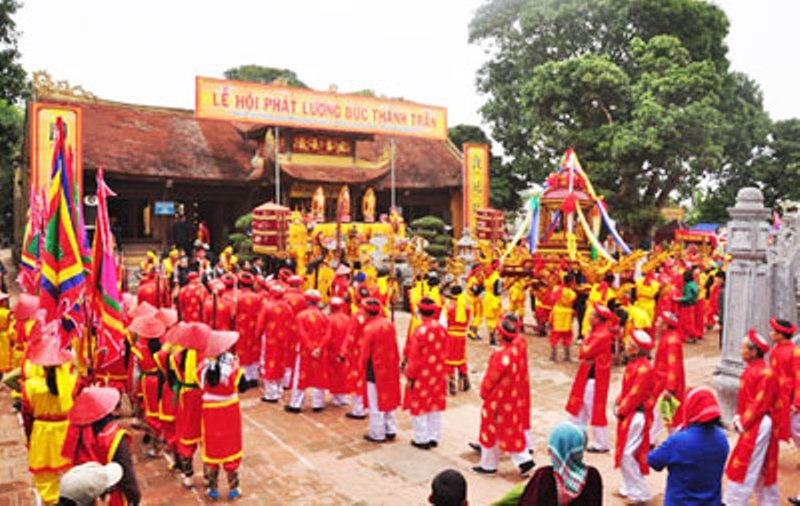 Lễ rước ấn đền Trần