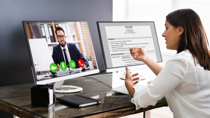 Top 5 Bí kíp giúp bạn tự tin vượt qua vòng phỏng vấn online khi tuyển dụng