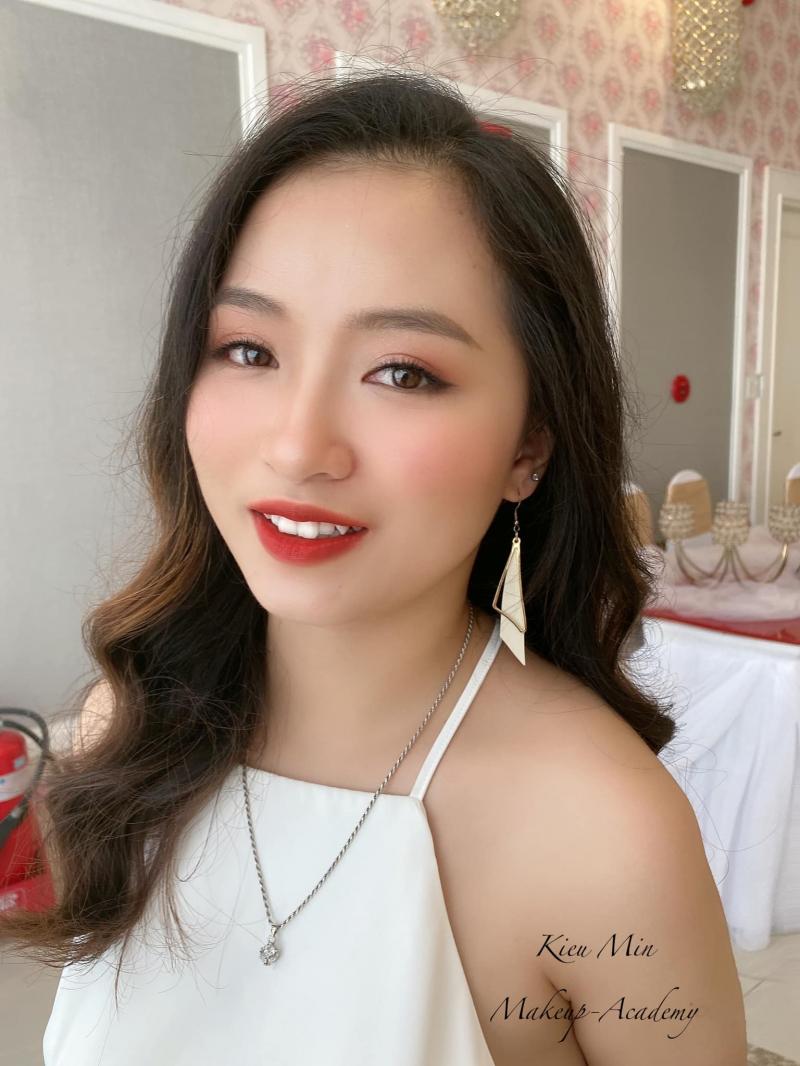 Tại MakeUp Kiều Min bạn có thể lựa chọn nhiều phong cách makeup phù hợp với sở thích và gương mặt của mình