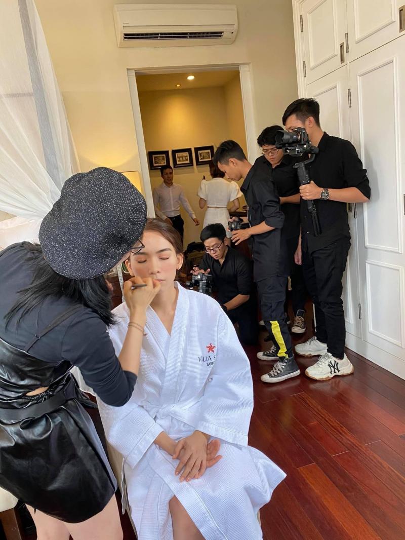 MakeUp Kiều Min sẽ giúp các cô dâu che được khuyết điểm tốt nhất mà không cần dùng quá nhiều kem phấn