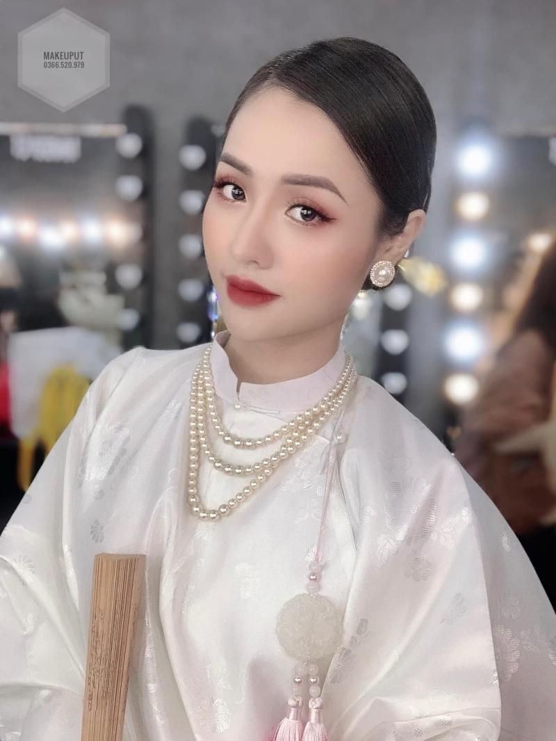 Makeup Út