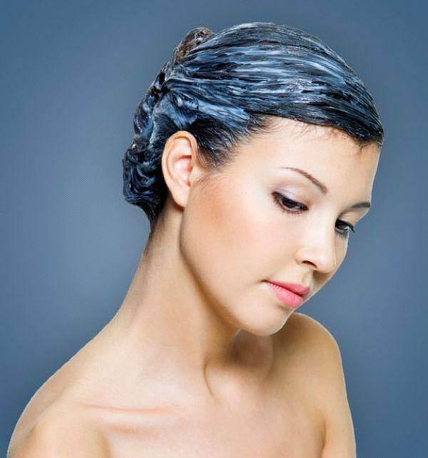 Công thức đặc biệt chiết xuất tinh chất từ cây  jojoba và ptotein của cây keratin nuôi dưỡng tóc, dưỡng chất bao bọc thân tóc chống các tia cực tím cho màu sắc của tóc kéo dài thời gian hơn.