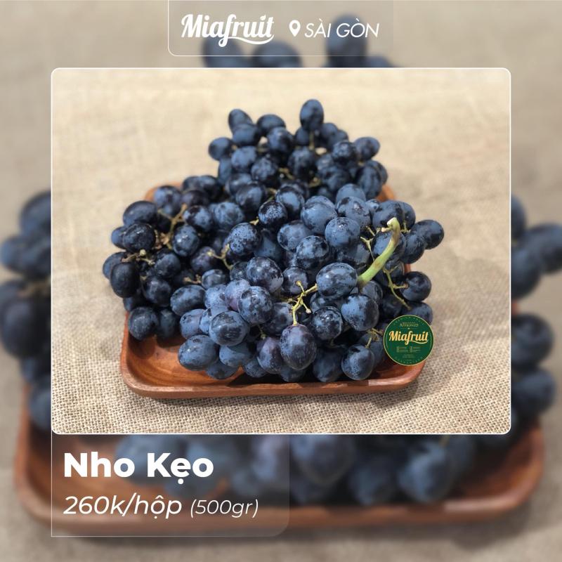 Khi đến Mia Fruit bạn sẽ tìm được các loại trái cây nhập khẩu tươi, theo mùa, với chất lượng tốt nhất